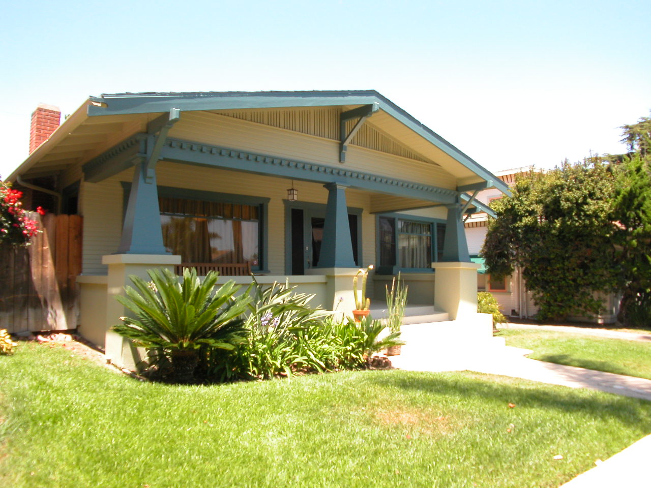Bungalow american bungalow california bungalow - What is a bungalow style home ...