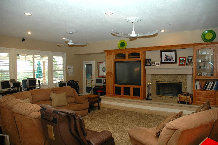 Wonderfully HUGE Family Room